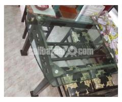 Dinnig table For Sale