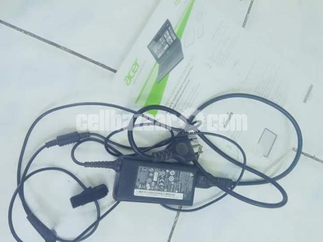 Acer Aspire E 15 - 2/2