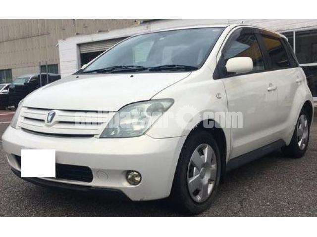 Toyota IST 2005 - 1/1
