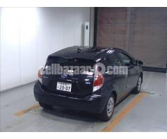 Toyota Aquq S Black