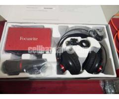 Focusrite Scarlett 2i2 Studio (New)