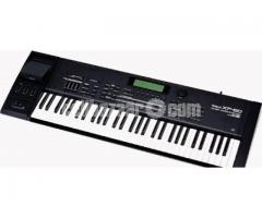 Roland XP-60 Keyboard urgent sell