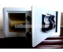 Touch Screen Electronic Safe.