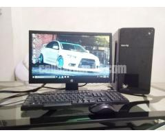 Intel-Desktop core_i5 & 19'' LED