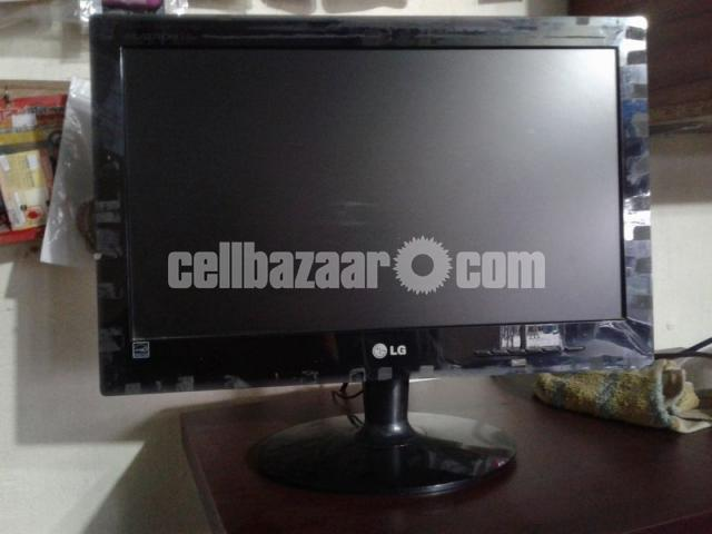 Desktop PC+ Monitor - 1/2