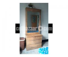 Segon Kath er dressing table
