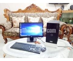 "Intel Core i5 Desktop & 19"" Monitor"