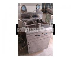CP Fried Chicken Deep fryer and Double burner
