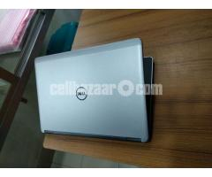 Dell Latitude 4th Gen i5-500-4Gb Ram