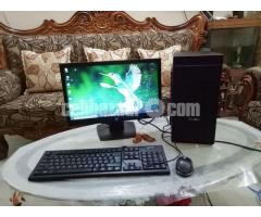 "Intel Core i7 Desktop & HP 19"" Monitor"