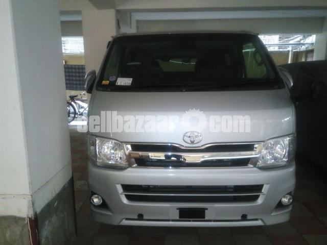 Toyota Hiace GL Dual Ac Silver - 1/4