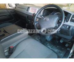 Toyota Hiace GL Dual Ac Silver - Image 3/4