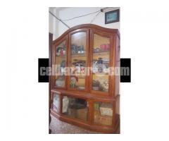Shagon wooden showcase