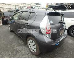 Toyota aqua s pkg - Image 3/4
