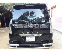 Toyota Voxy 2003/11