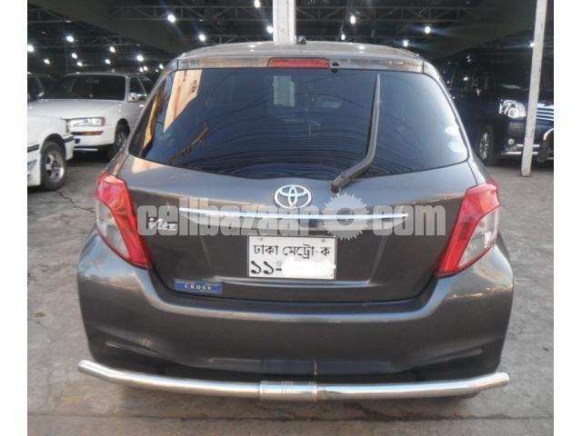 Toyota Vitz 2011/17 - 2/5
