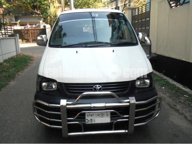 Toyota Noah Super GL 2007/13 - 1/5
