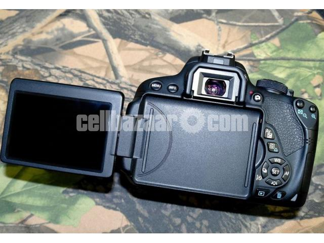 Canon EOS 700D DSLR Camera with EF-S 18-55mm Lens Kit