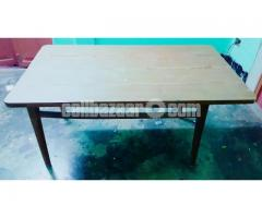 6 SEATED WOODEN DINING TABLE - Image 4/4