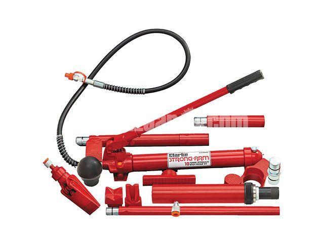 """Clarke CS10SBRK 10 Ton Body Repair Kit with Fast Action Pump "" - 1/1"