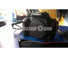 Camera : Canon EOS 1200d