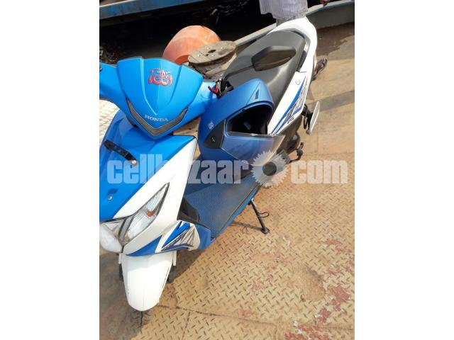Honda Dio Scooter -Blue Color, 110cc, Only 1200 KM Run - 3/5