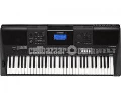New Condition Yamaha PSR E453 Urgent Sell