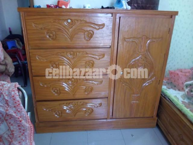 Wardrobe wooden - 1/2