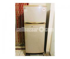 Singer Refrigerator - Image 1/2