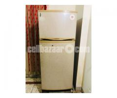 Singer Refrigerator - Image 2/2