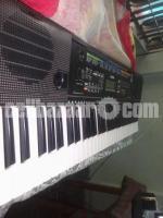 Yamaha PSR E-253 Piano / Keboard with Adaptor