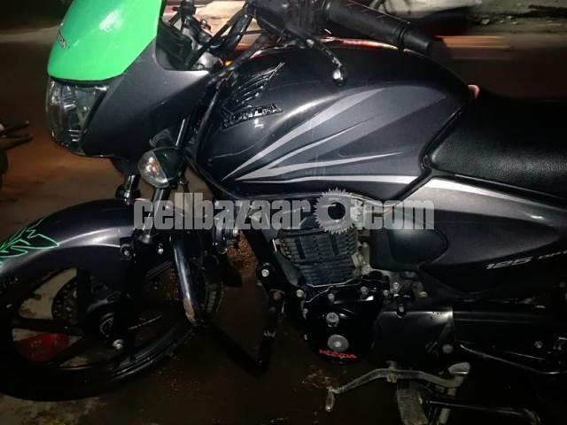 Honda CB shine 125cc - 2/5