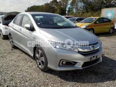 Honda Grace EX Hybrid Silver 2014 Grade:4.5
