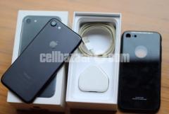 Iphone 7 32gb(used) Jet Black