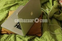 MacBook Pro Core i7 Ram 8gb 17-inch display 1 year used