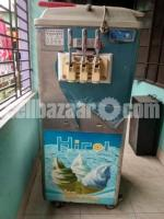 Ice cream machine - Image 2/4