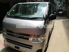 Toyota Hiace Diesel Engine Dual Ac - Image 1/4