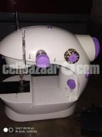 Sewing Machine - Image 3/4