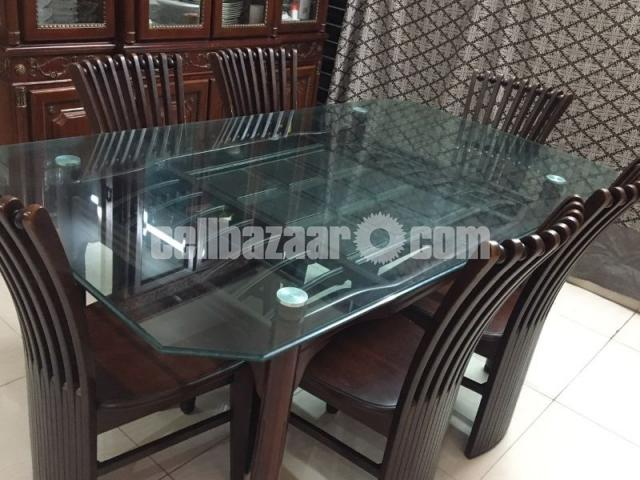 6 seater dining table - 1/4