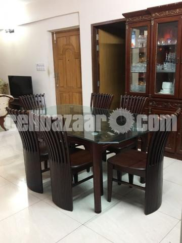 6 seater dining table - 3/4