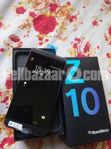 BlackBerry Z10 2/16GB Original Intact New 64GB - 1/5
