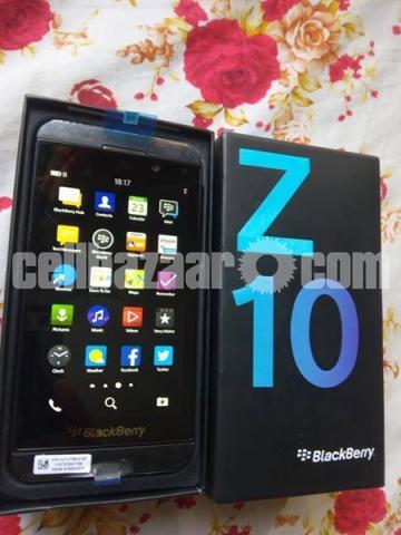 BlackBerry Z10 2/16GB Original Intact New 64GB - 2/5