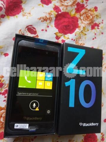 BlackBerry Z10 2/16GB Original Intact New 64GB - 3/5