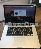 Apple Macbook Pro 15 inch core i7 2.2 256 SSD