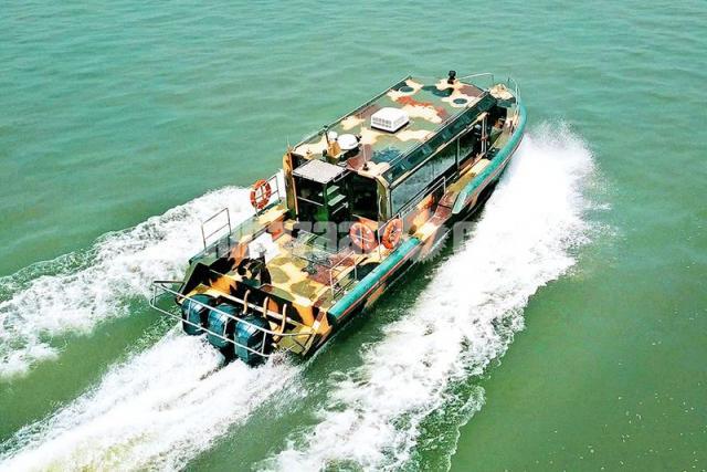 High Speed Aluminium Boat - 1/5