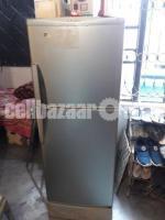 Refrigerator(hitachi)