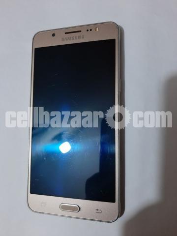 Samsung Galaxy J5 - 1/5