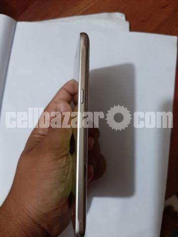Samsung Galaxy J5 - 4/5
