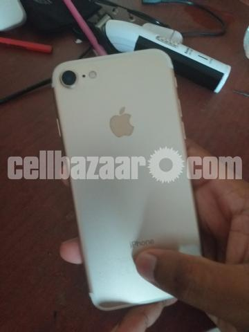 iPhone 7 - 2/5