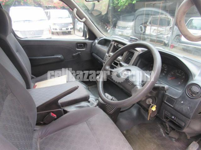 Nissan Urvan, Model: 2011 - 5/5
